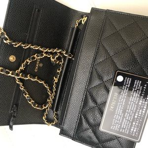 772b9c64a03f82 Women Black Quilted Chanel Bag With Chain on Poshmark